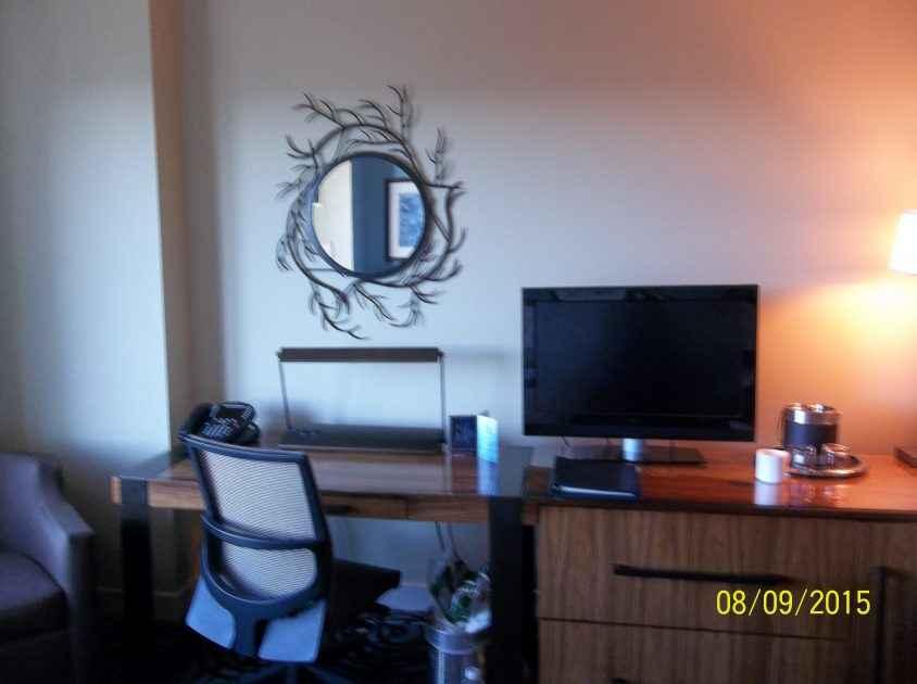 Schreibtisch im Hotelzimmer